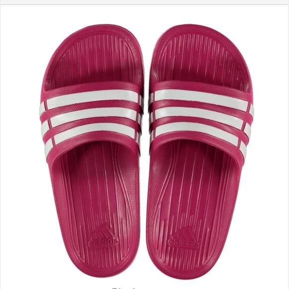 big sale fd179 bbf62 Girls Adidas Hot pink slides NEW!
